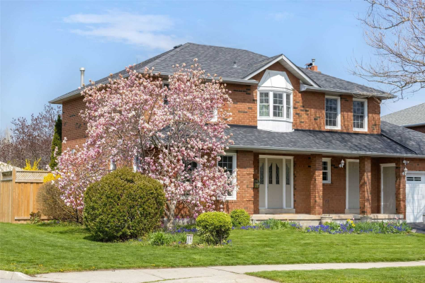 241 Mississaga St, Oakville