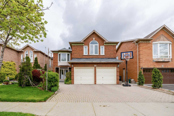 25 Lakeridge Dr, Brampton