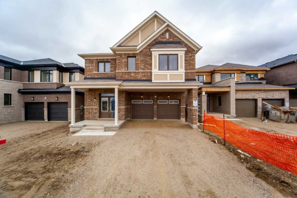 580 Queen Mary Dr, Brampton
