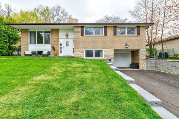 3196 The Credit Woodlands, Mississauga