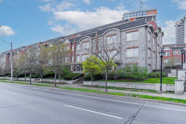 93 The Queensway Ave, Toronto