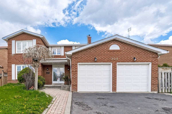 $1,059,000 • 252 Rutherford Rd N, Madoc