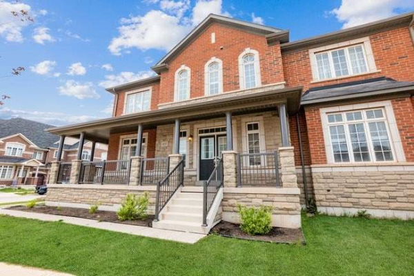 455 Silver Maple Rd, Oakville