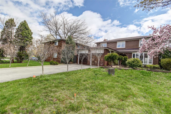 2512 Waterford St, Oakville