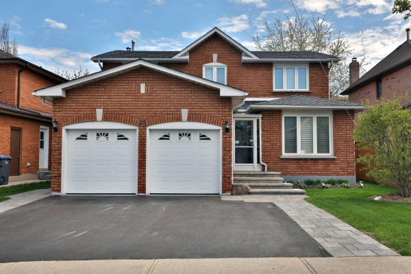 92 Sunforest Dr, Brampton