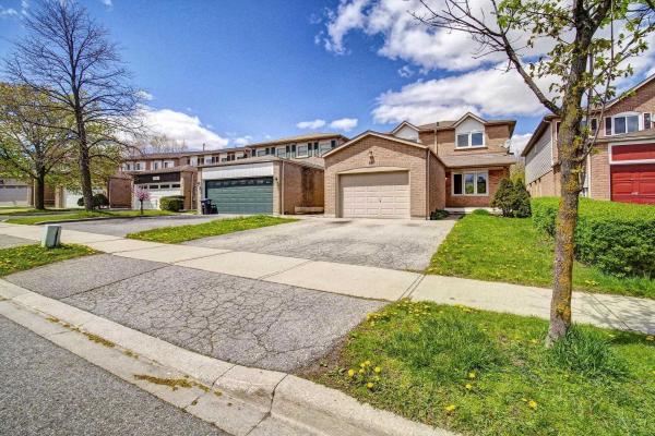 $799,900 • 50 Niagara Pl, Brampton