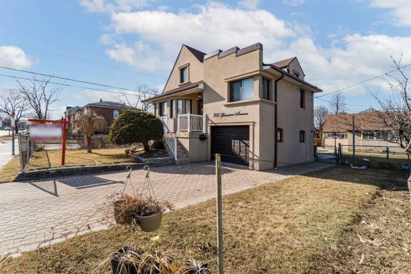950 Glencairn Ave, Toronto