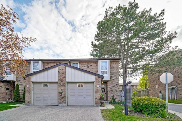 680 Regency Crt, Burlington