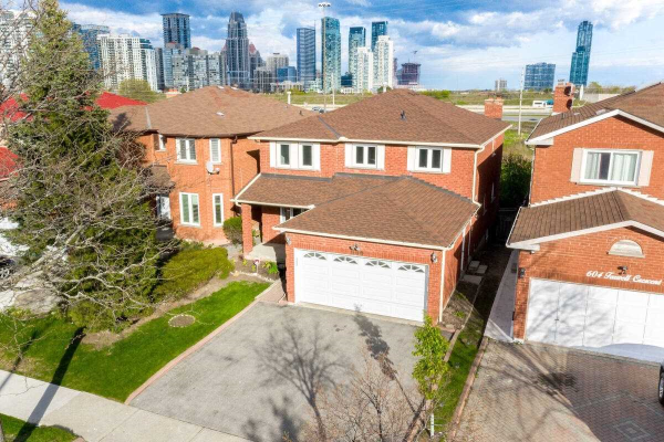 600 Farwell Cres, Mississauga