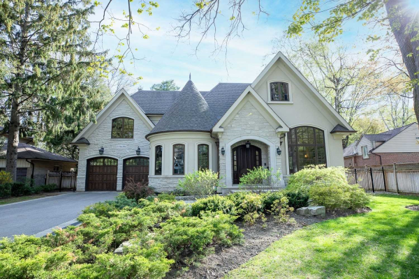 101 Oakes Dr, Mississauga