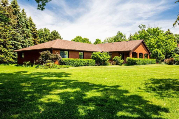 10 Oak Ridge Dr, Halton Hills