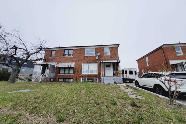 1488 Lawrence Ave W