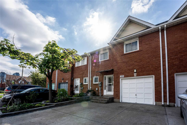 270 Hollymount Dr, Mississauga
