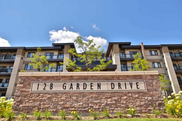 128 Garden Dr, Oakville
