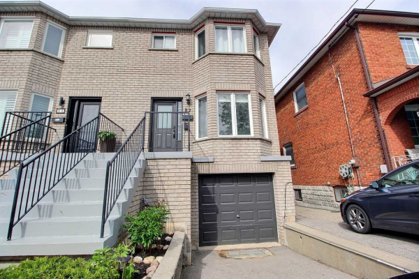 82 Branstone Rd, Toronto