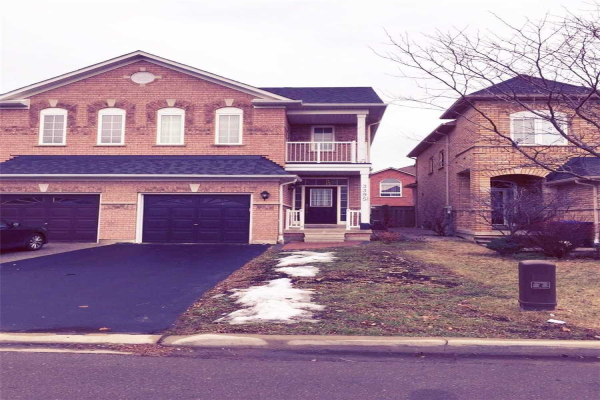 3395 Fountain Park Ave, Mississauga