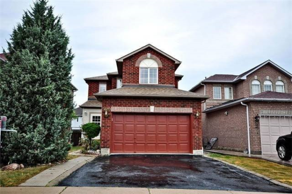 5689 Sidmouth St, Mississauga