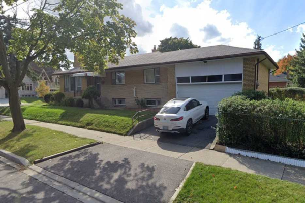 99 Smithwood Dr, Toronto