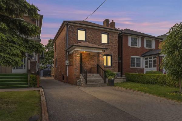 60 Albani St, Toronto