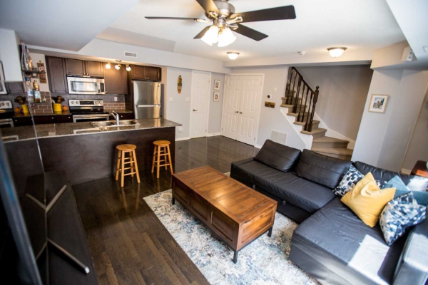 25 Turntable Cres