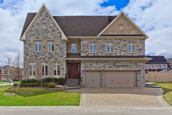 939 Silverthorn Mill Ave, Mississauga