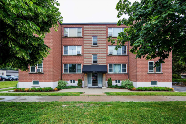 2418 New St, Burlington