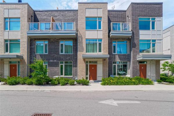 35 Applewood Lane, Toronto