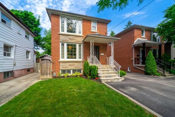 7 Bowsprit Ave, Toronto