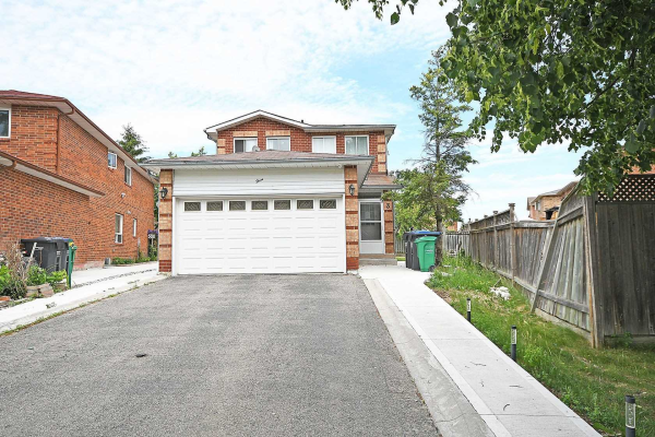 $899,000 • 3 Colchester Ave