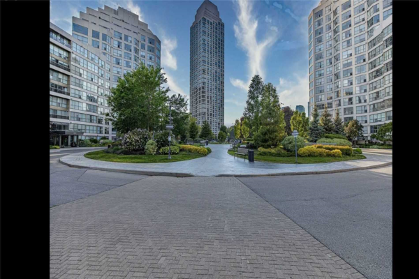 2269 Lake Shore Blvd W, Toronto