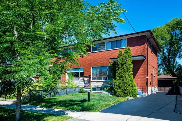 34 Woodbury Rd, Toronto