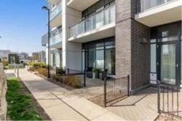 2560 Eglinton Ave Ave W, Mississauga