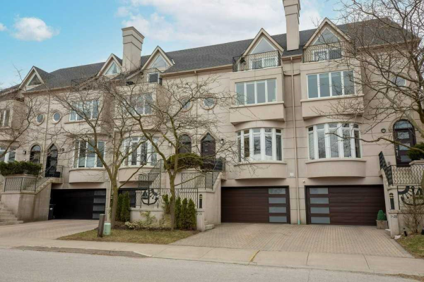 28 Front St S, Mississauga