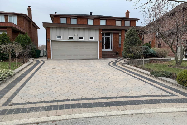250 Gracefield Ave, Toronto