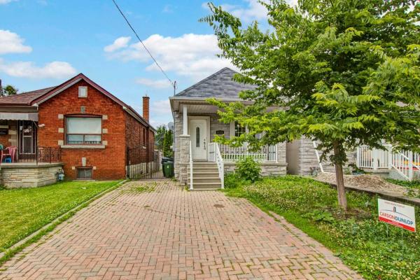 138 Dynevor Rd, Toronto