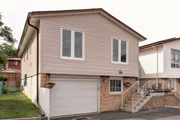 913 Stainton Dr, Mississauga