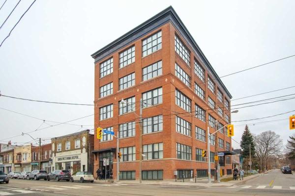 2154 Dundas St W, Toronto