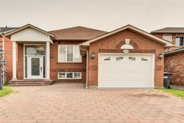 5825 Sidmouth St, Mississauga