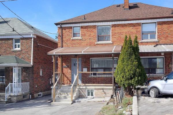2286 Dufferin St, Toronto
