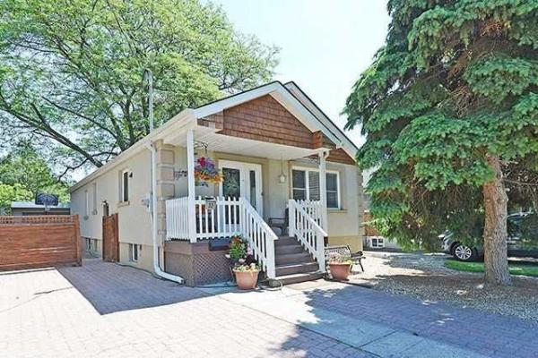 33 Moynes Ave, Toronto