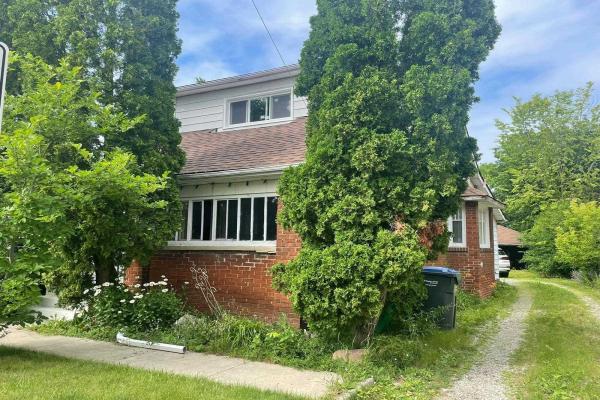 1169 Alexandra Ave, Mississauga