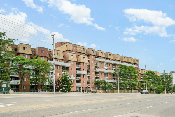 3025 The Credit Woodlands, Mississauga