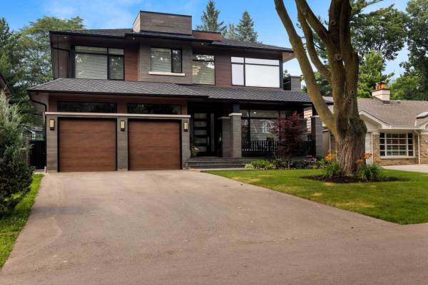 100 Chestnut Hills Pkwy, Toronto