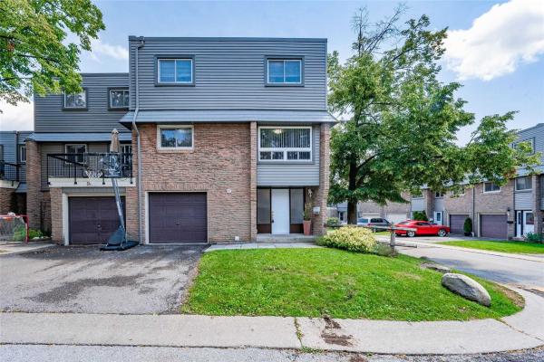$699,000 • 2315 Bromsgrove Rd, Mississauga