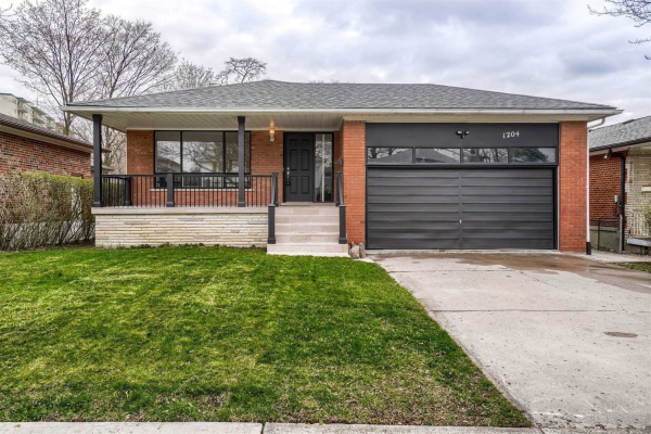 1204 Conyers Cres, Mississauga