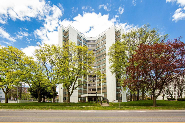2323 Confederation Pkwy, Mississauga