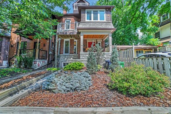 302 Glenlake Ave, Toronto