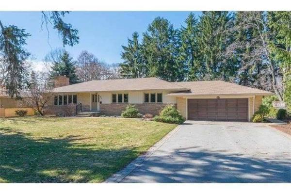 456 Chamberlain Lane, Oakville