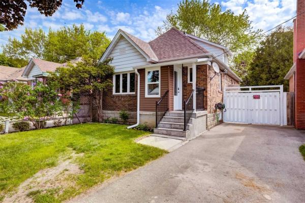 1179 Islington Ave, Toronto