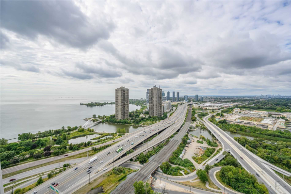 105 The Queensway Ave, Toronto